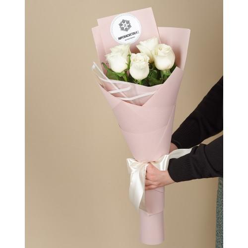 Купить на заказ Заказать Букет из 5 роз с доставкой по Риддеру с доставкой в Риддере