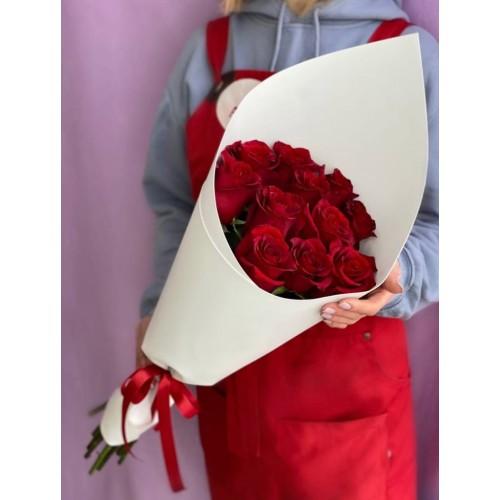 Купить на заказ Букет из 11 красных роз с доставкой в Риддере
